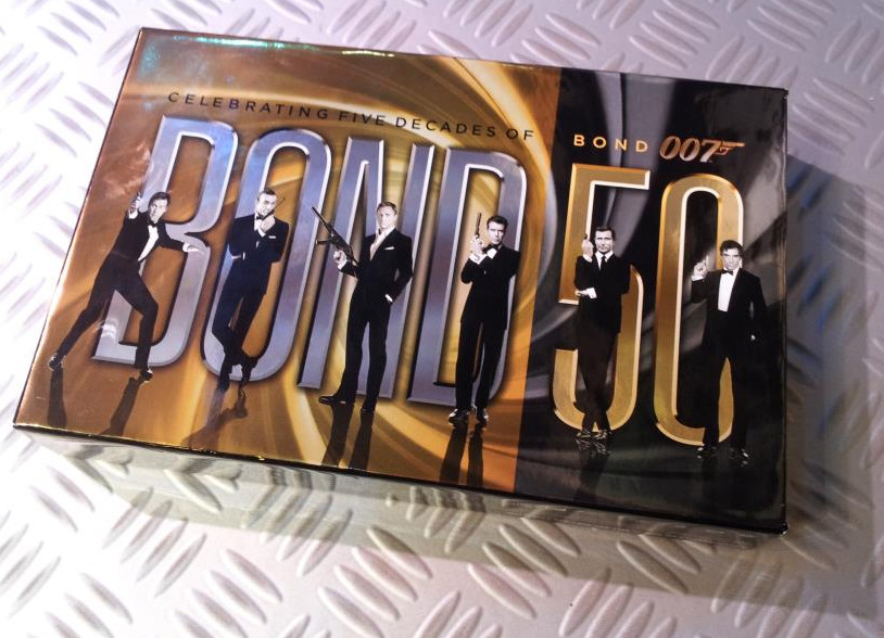 007 Monster Box dal vivo